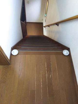 階段の上の盛り塩